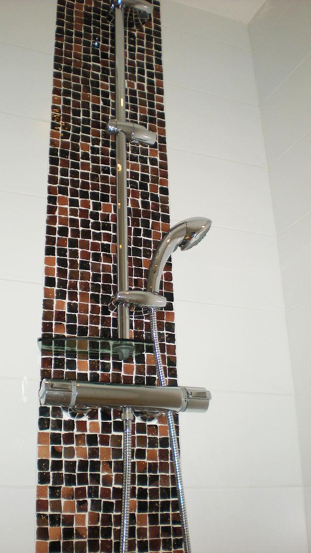 Carrelage salle de bains et douches l 39 italienne for Robinetterie italienne salle de bain